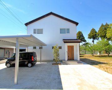 カワイイ外観と落ち着いた内装がコラボした家